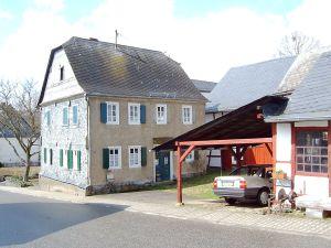 1280px-Gehlweiler_Drehort_Heimat_Haus_Simon